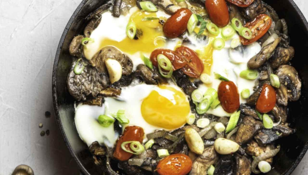 Uova al tegamino con verdura