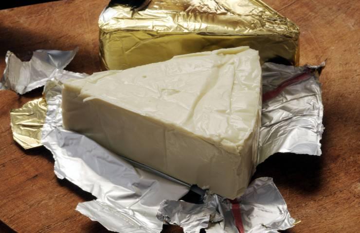 formaggino e formaggi fusi i rischi