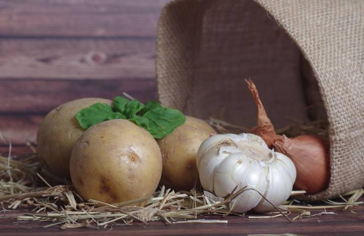 Come conservare patate aglio e cipolle