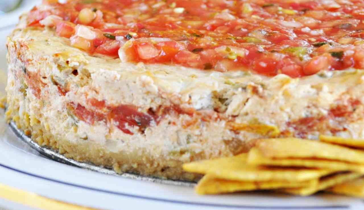 Cheescake salata di pomodori speziati e prosciutto