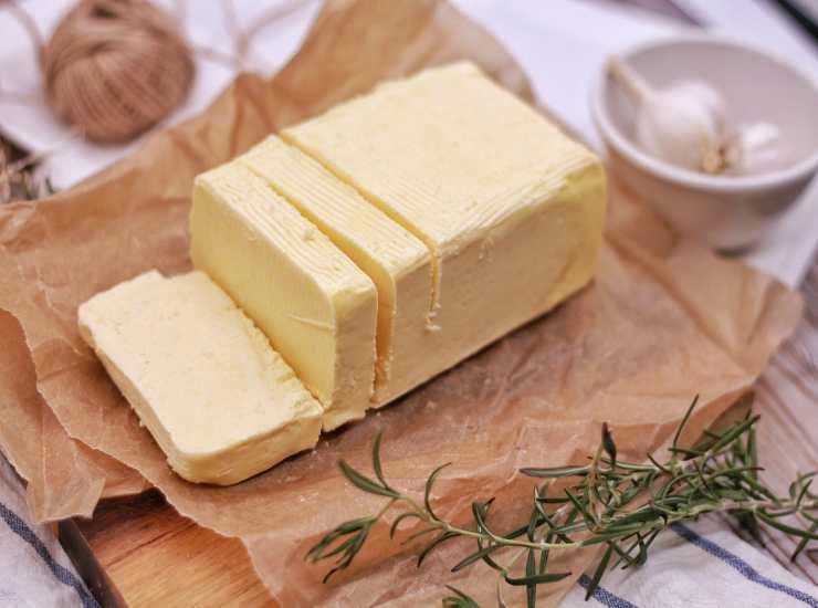 Cheesecake amaretti e ananas FOTO ricettasprint