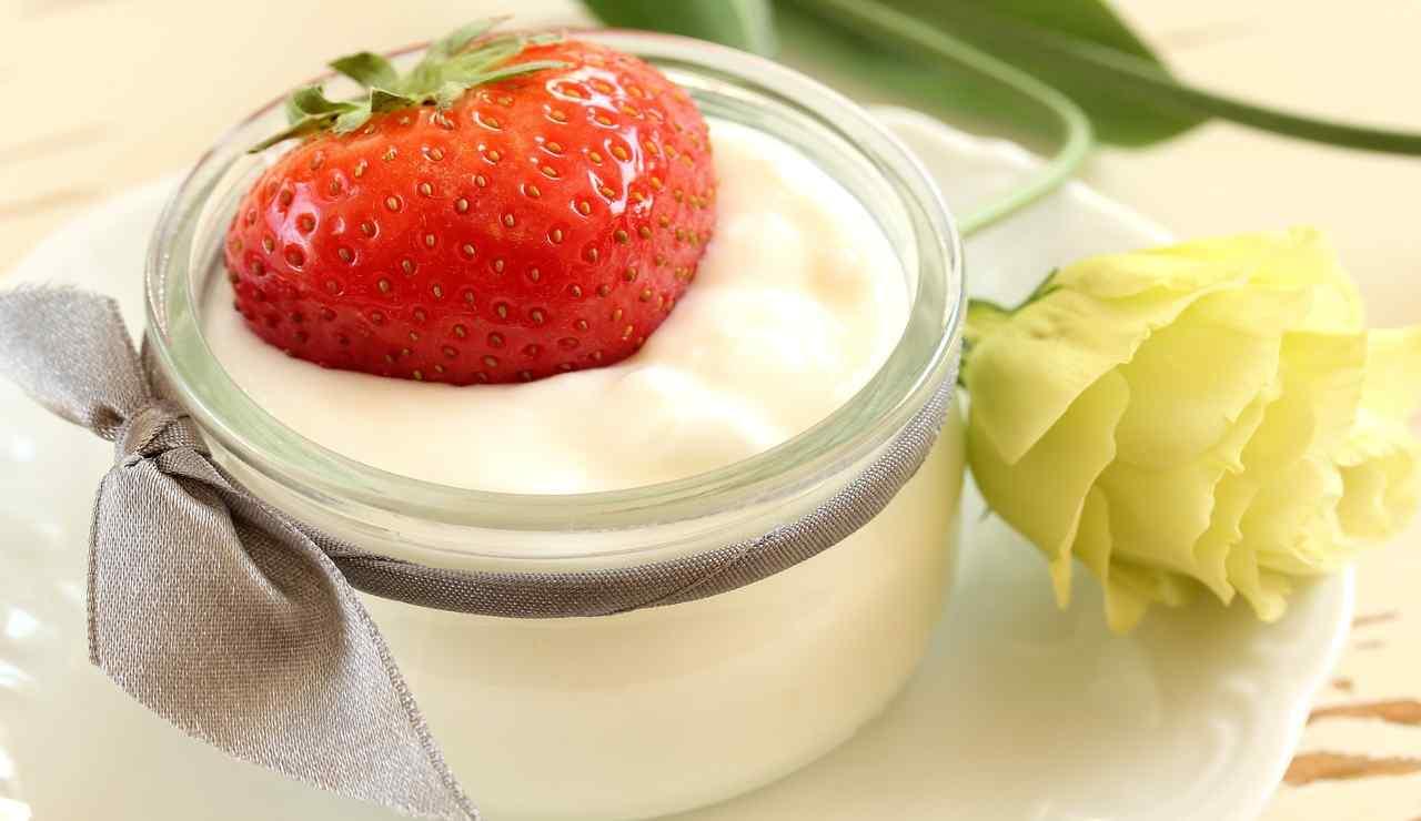 Crema pasticcera vanigliata al latte
