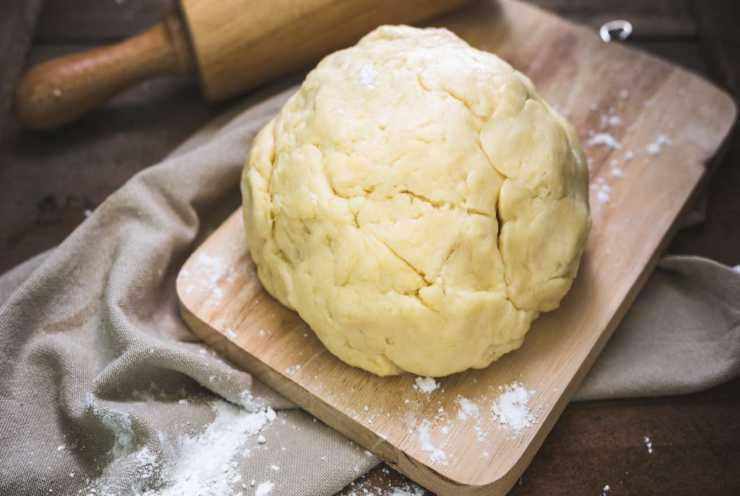 Crostata-con-ricotta-al-limone-e-frolla-allolio-FOTO-ricettasprint