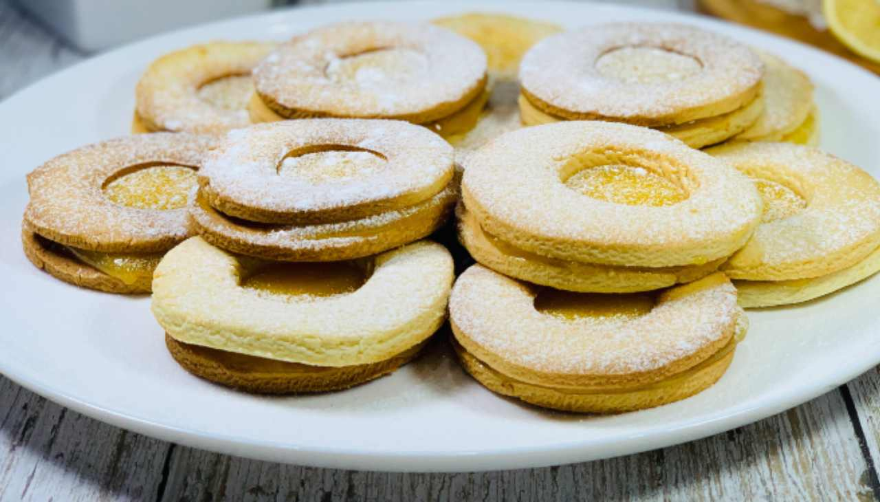 Biscotti con crema la lime