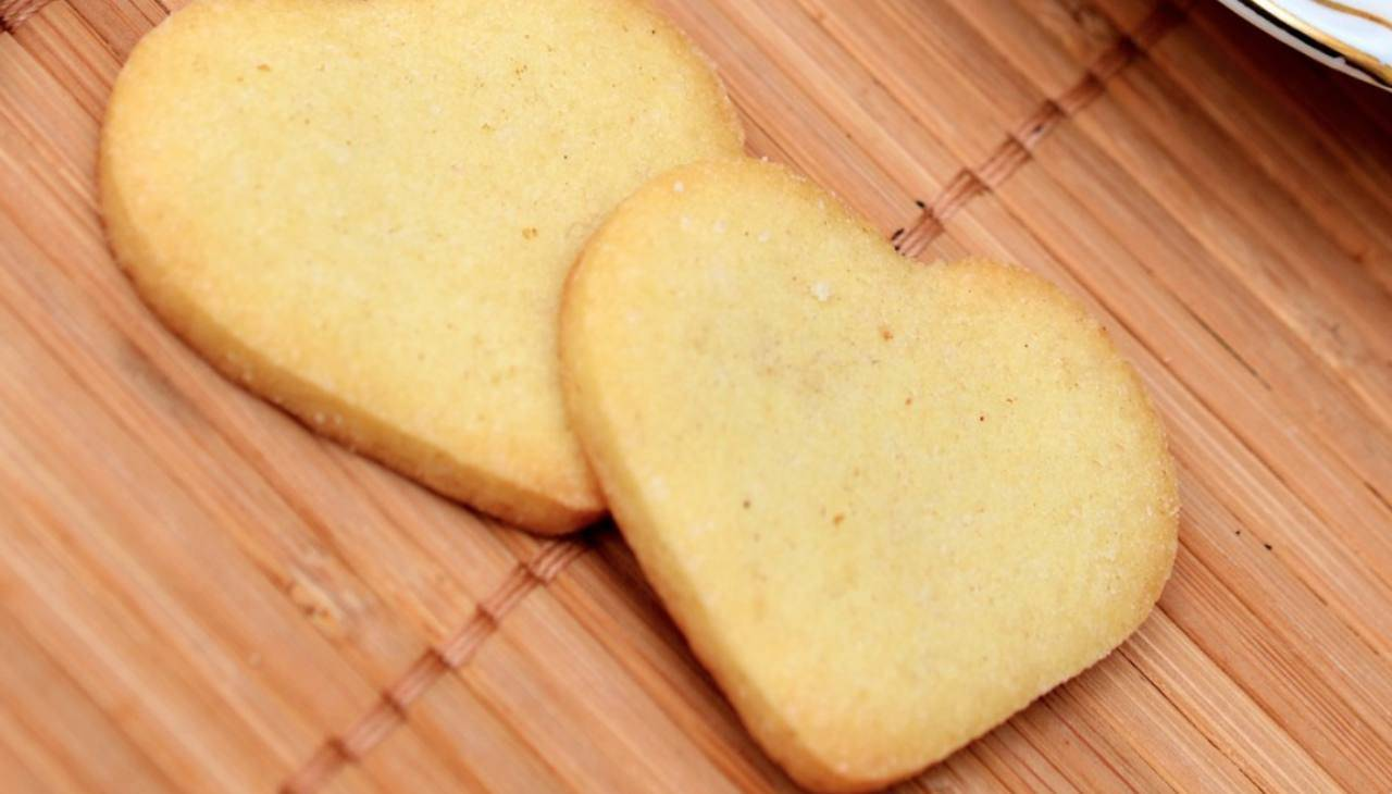 Biscotti ripieni di farcia