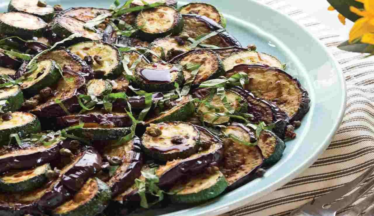 Melanzane zucchine e capperi aromatizzate