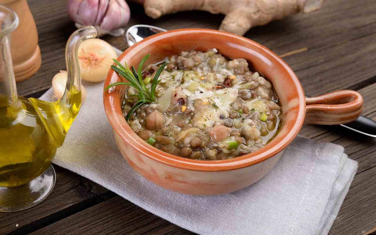 minestra lenticchie farro ricetta FOTO ricettasprint