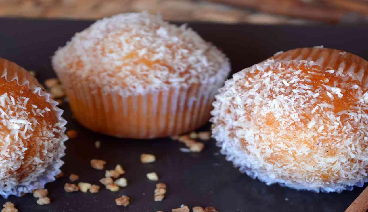 Muffin cocco e cioccolato bianco