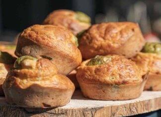 Muffin salati di olive e ricotta