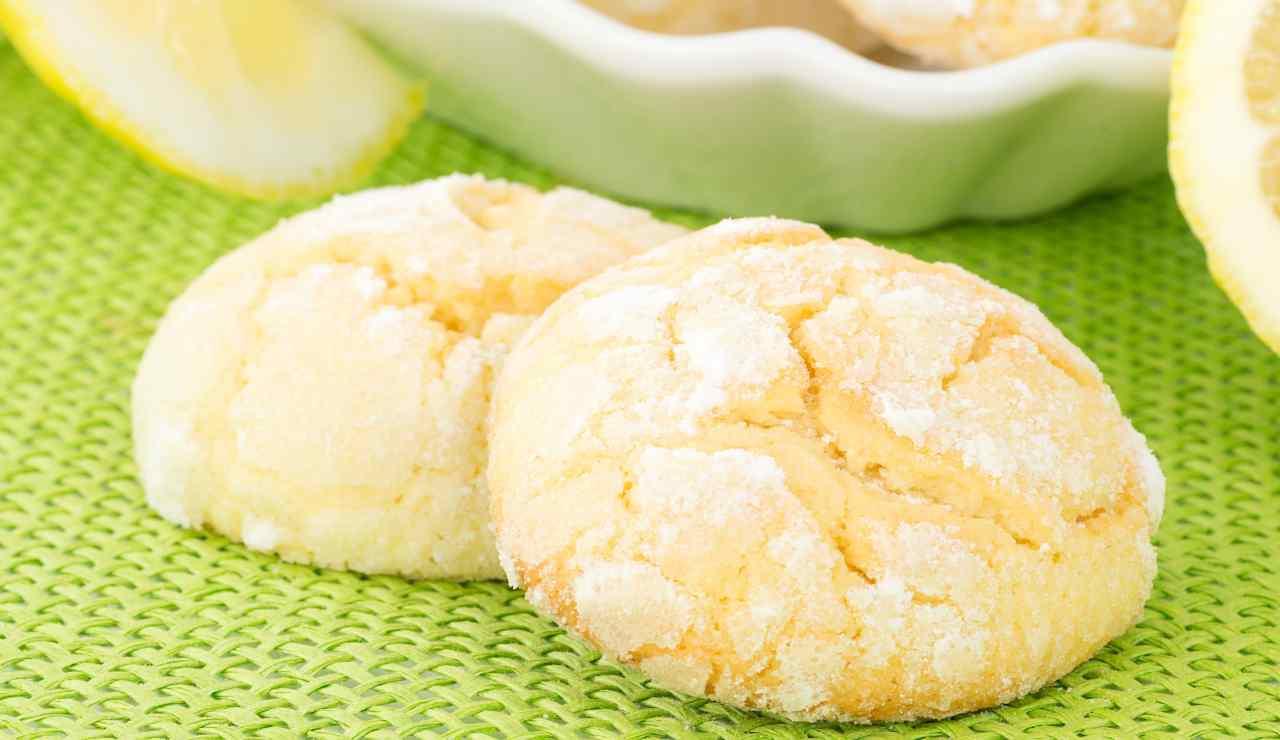 Nuvolette vanigliate al profumo di limone