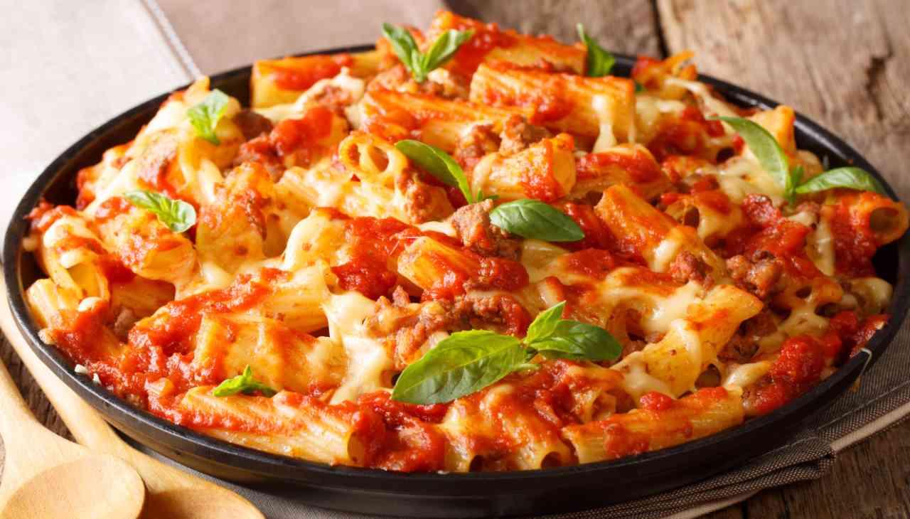 Pasta mozzarella pomodoro