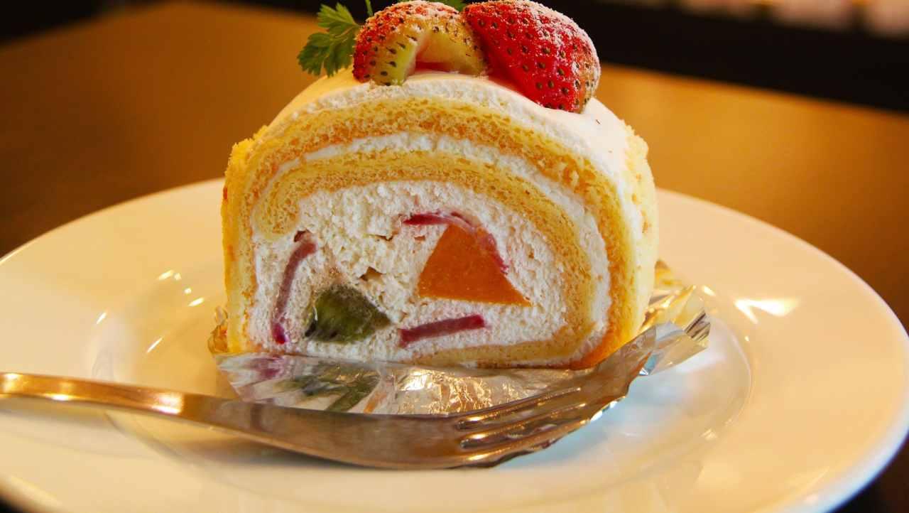 Rotolo dolce semifreddo alla frutta ricettasprint