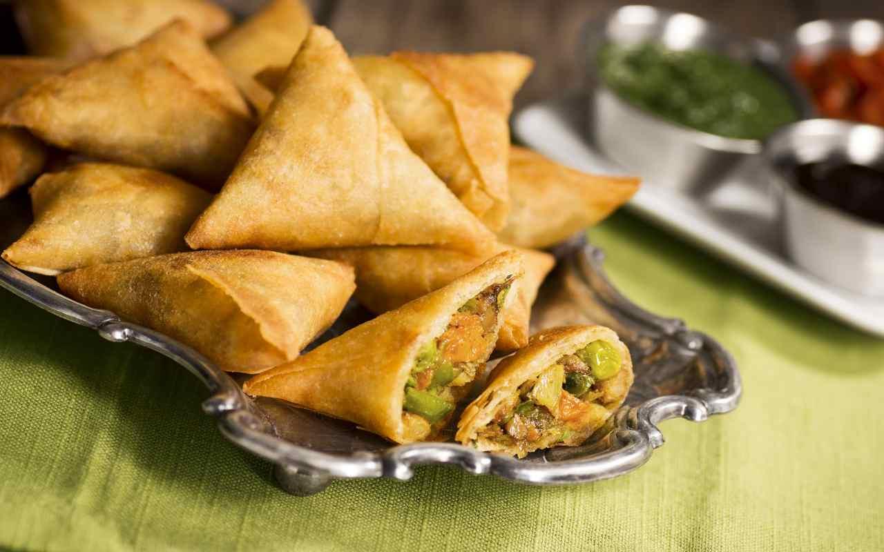 samosa indiani ricetta FOTO ricettasprint