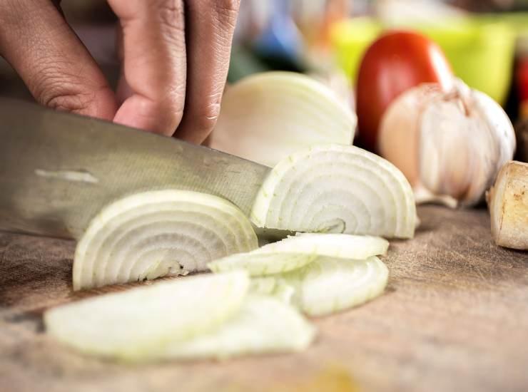 Sfogliatine con cipolle caramellate FOTO ricettasprint