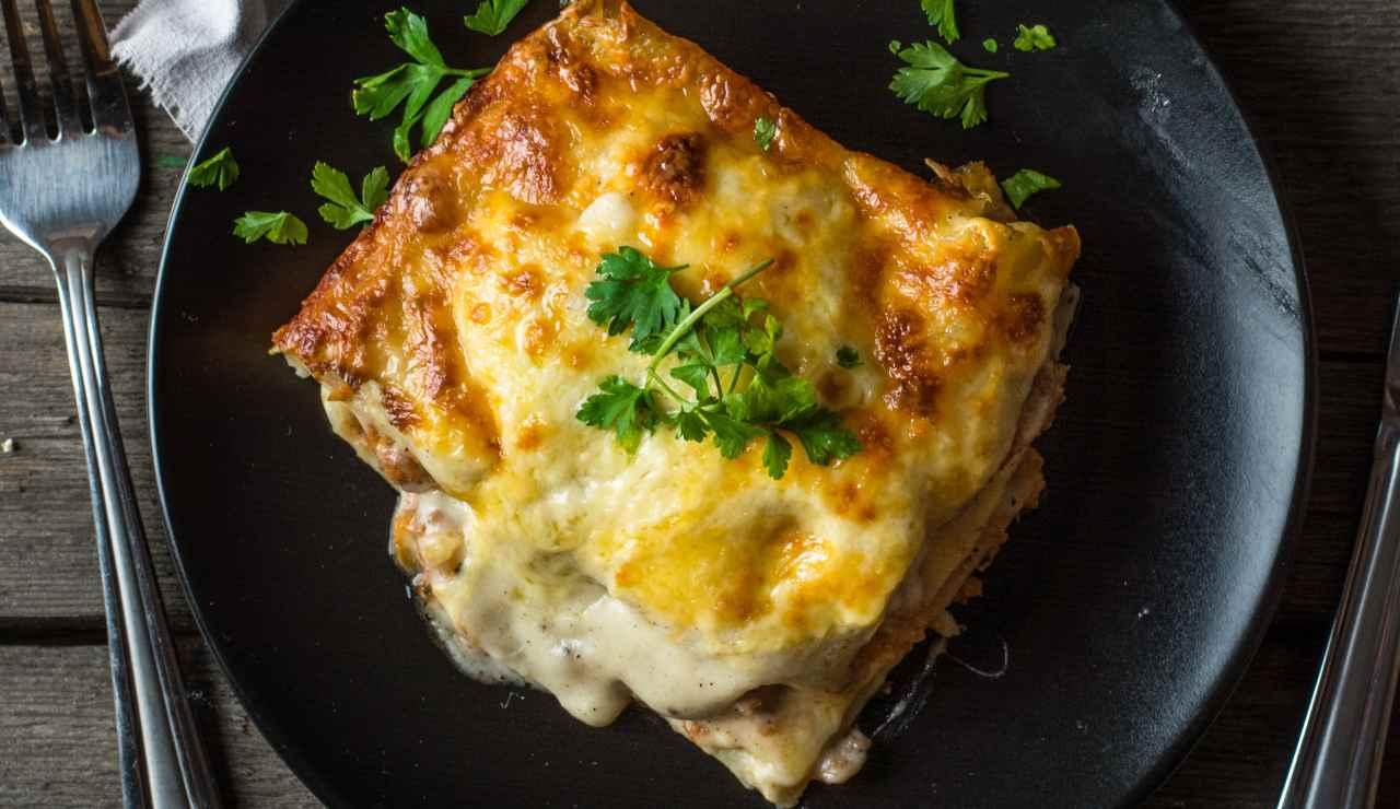 lasagne cremose cacio pepe e pancetta facilissime ricettasprint