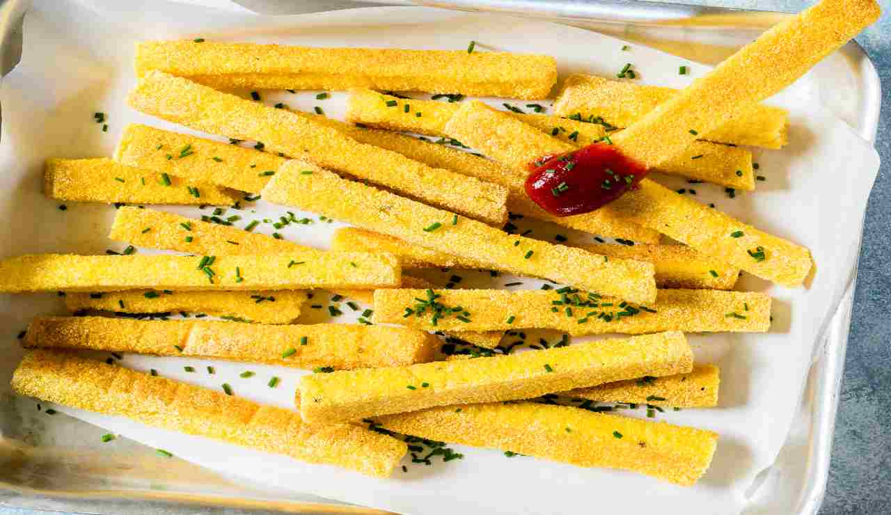 Bastoncini di polenta al rosmarino
