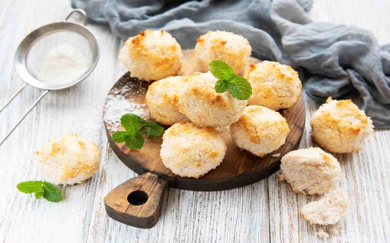 biscotti cocco no farina ricetta FOTO ricettasprint