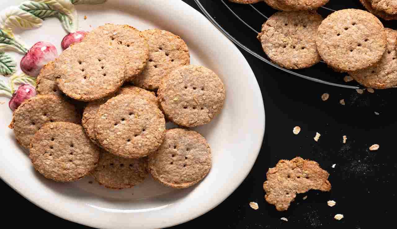 Biscotti digestivi alla crusca e avena