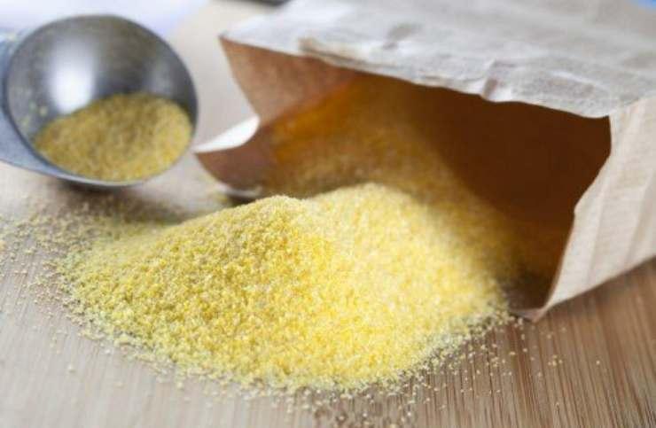 Biscotti fatti di semolino e ripieni di marmellata FOTO ricettasprint