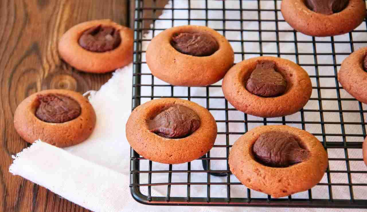 Biscotti ovis mollis con caffè e ganache al cioccolato fondente