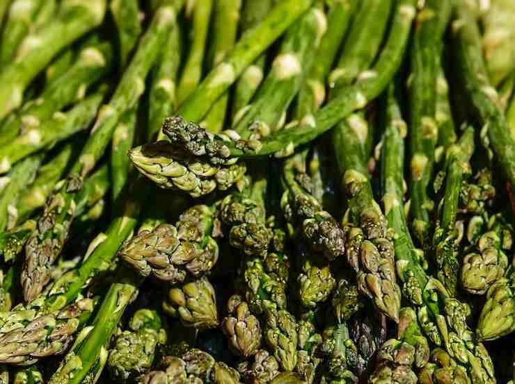 Coni di sfoglia speck e asparagi FOTO ricettasprint