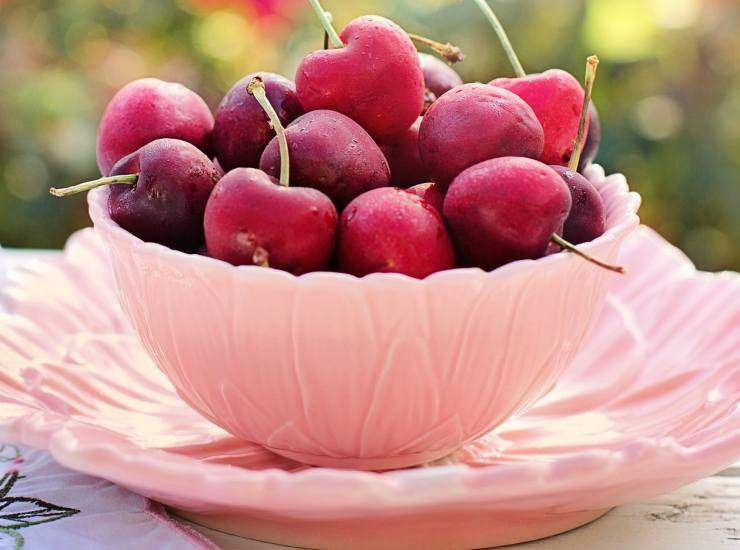 Torta croccante alle ciliegie