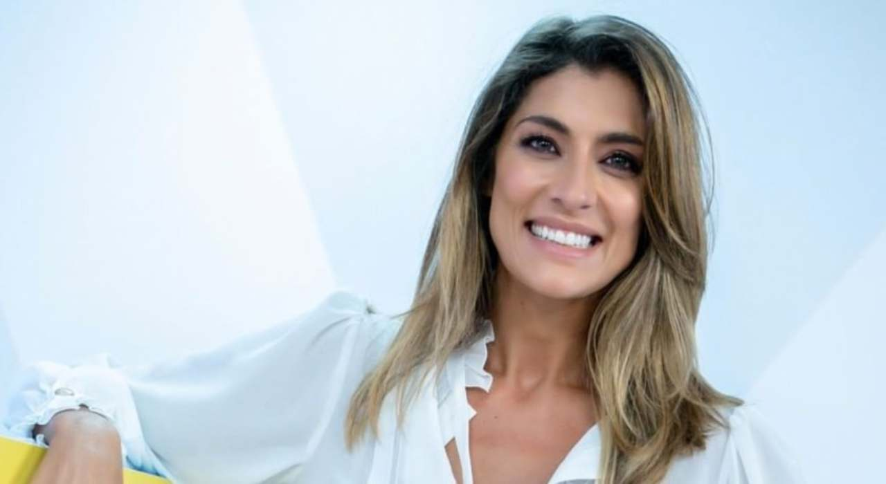 Elisa Isoardi guadagni da capogiro - RicettaSprint