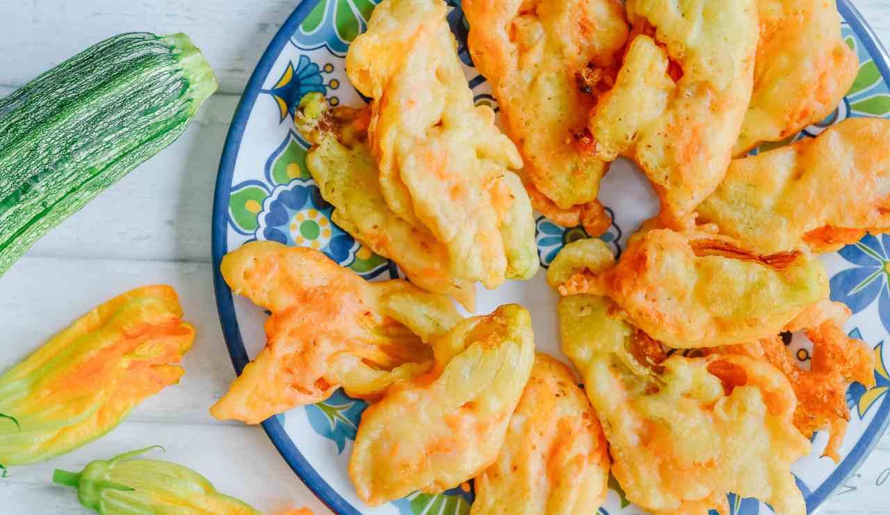 Fiori di zucca fritti imbottiti ricettasprint