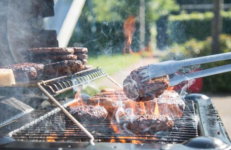 Hamburgers al barbecue