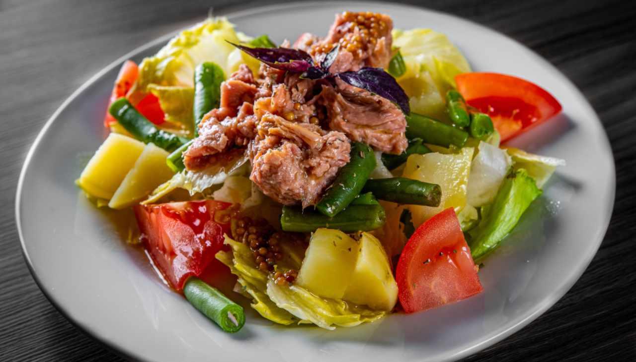 Piatto unico verdure estive e pesce