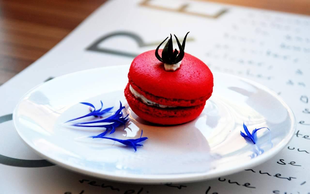 macarons pomodoro ricetta FOTO ricettasprint