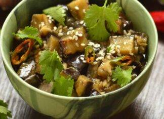 Melanzane bollite all'insalata ricetta
