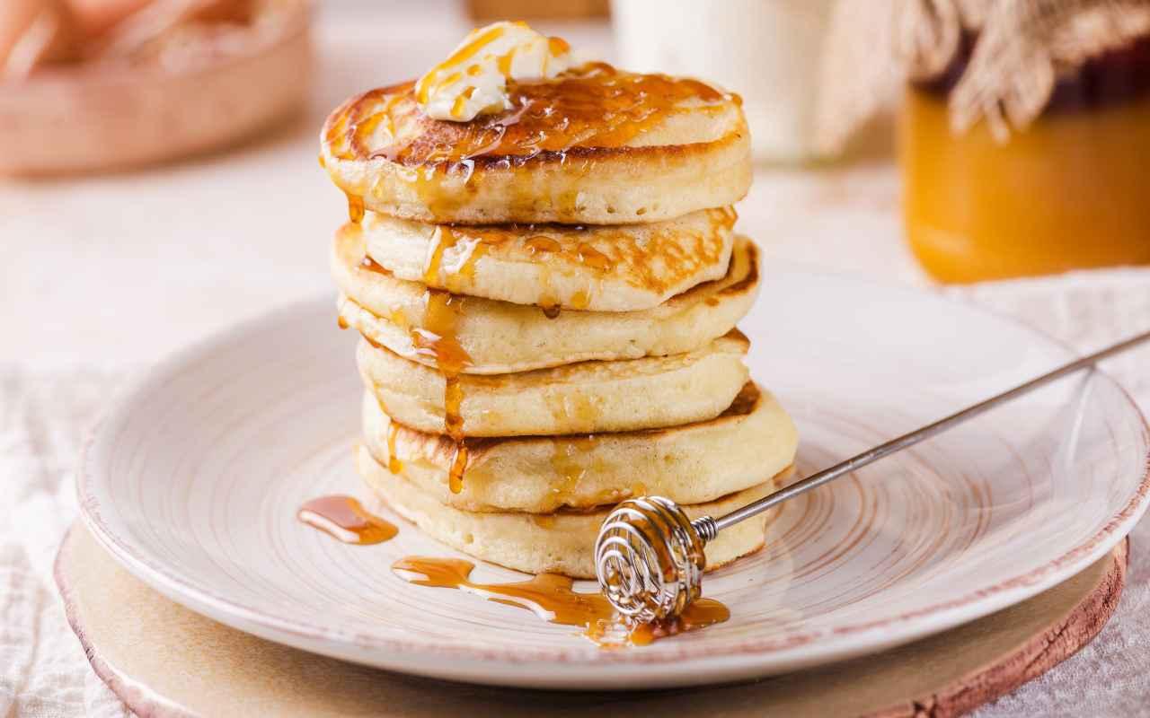 pancake albumi yogurt ricetta FOTO ricettasprint