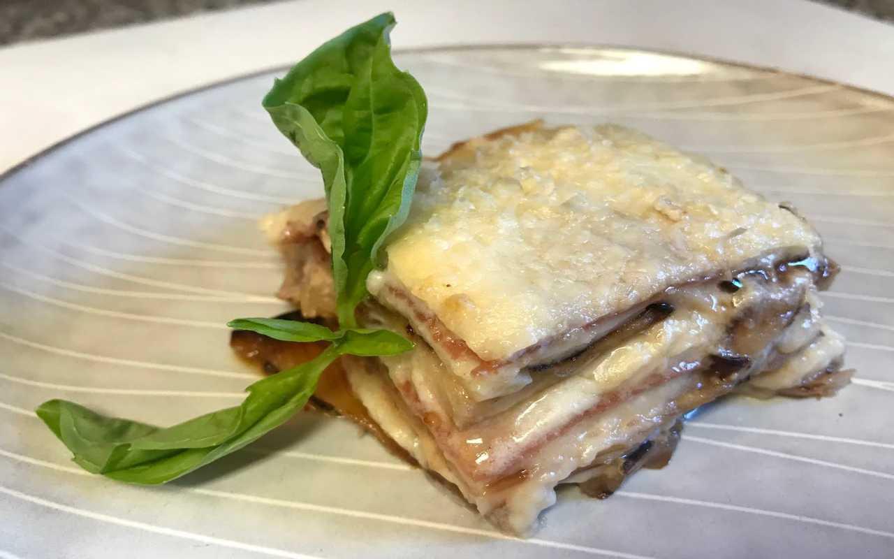 parmigiana melanzane prosciutto ricetta FOTO ricettasprint