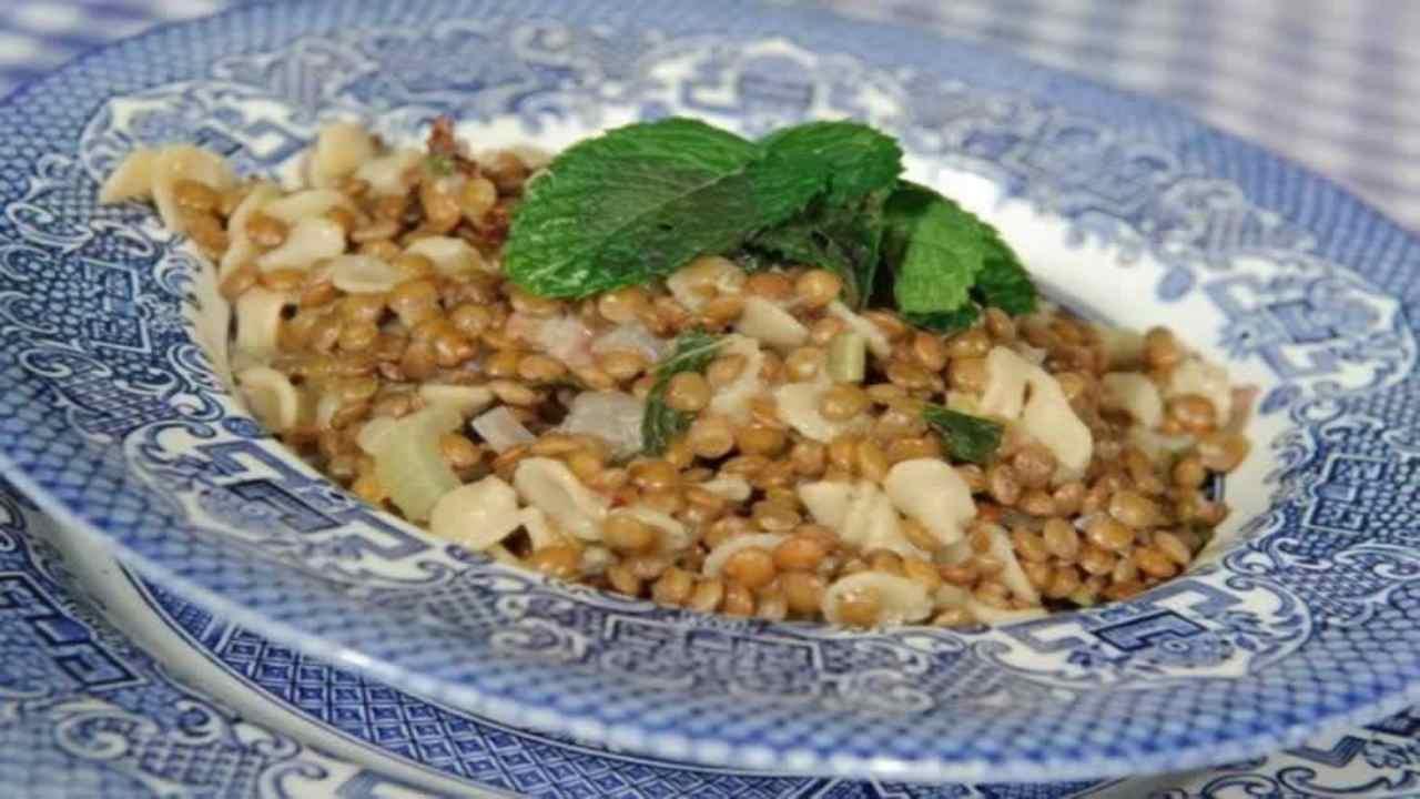 pasta lenticchie menta ricetta FOTO ricettasprint