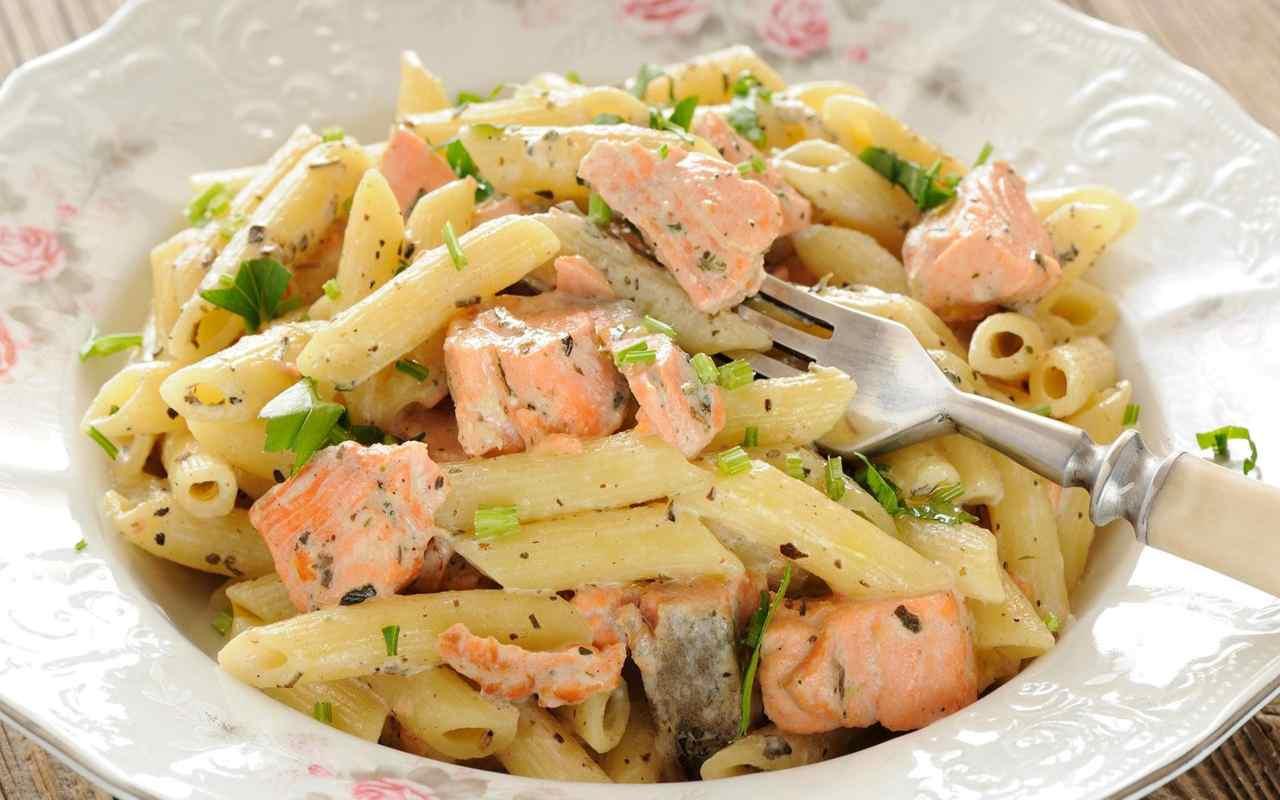 pasta trota salmonata ricetta FOTO ricettasprint