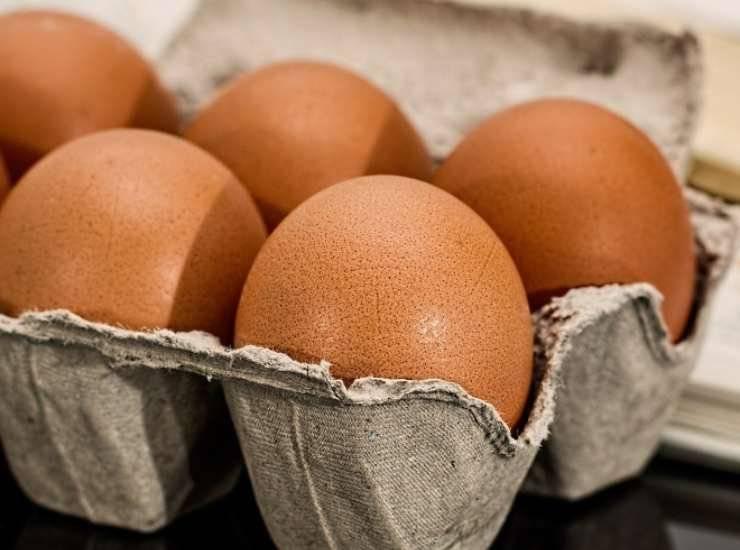 Piselli con uova e pancetta ricetta