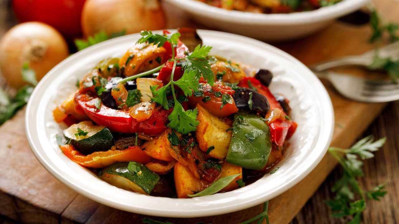 Insalata di peperoni e zucchine