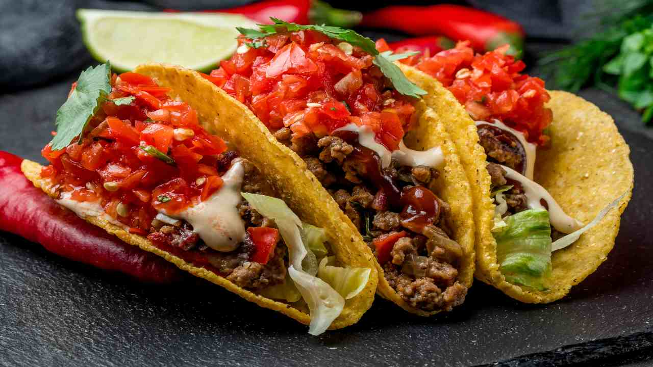 Tacos con carne e pomodori