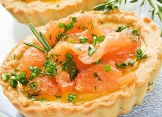 Finger food con crema formaggio e pesce