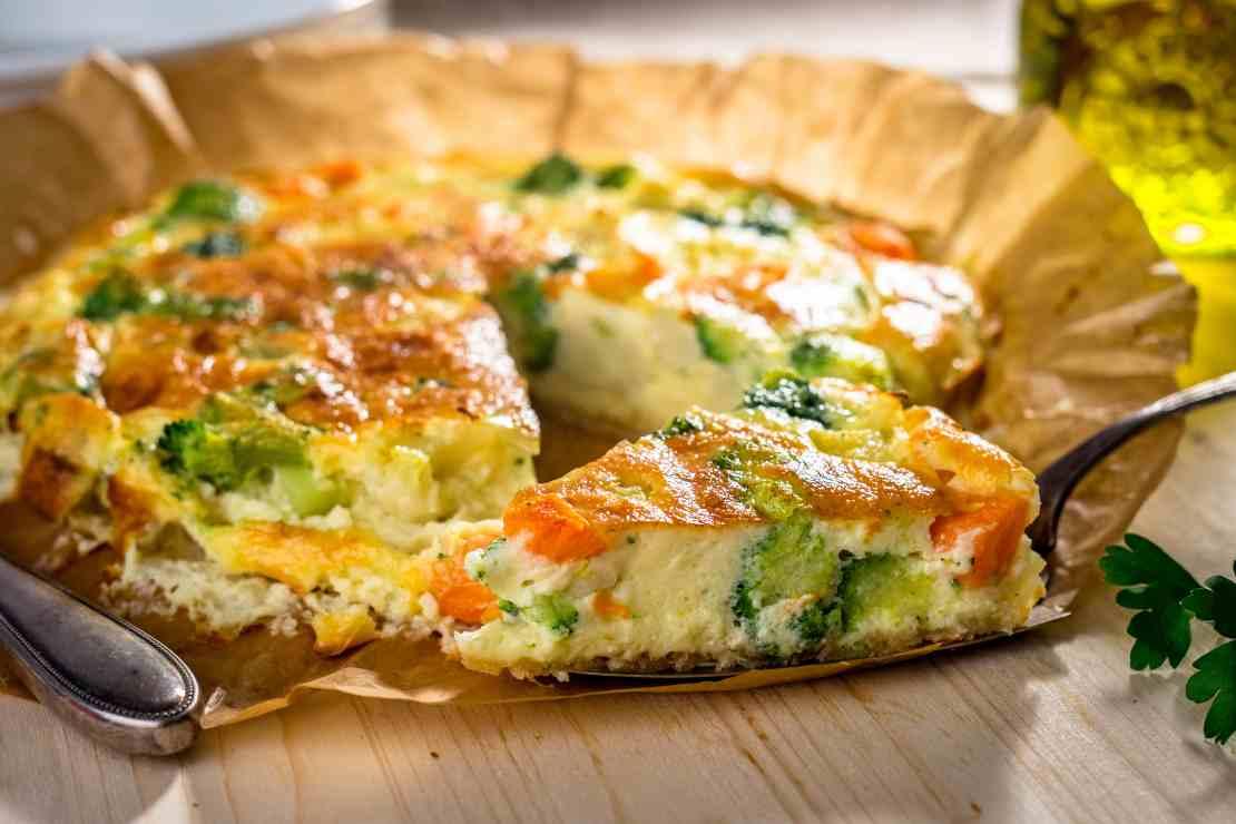 Torta di broccoli e pomodori senza sfoglia