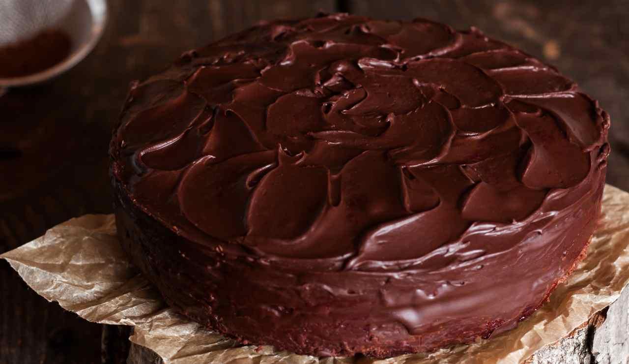 Torta sorprendente al cioccolato