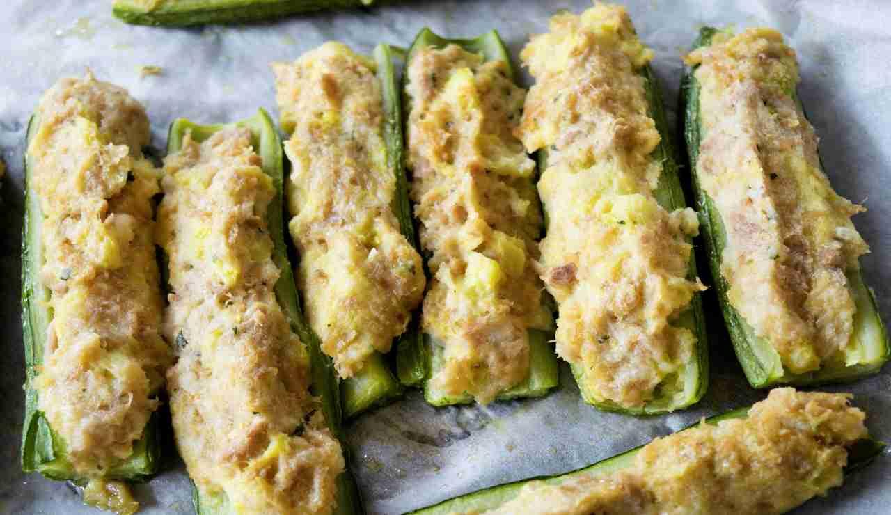 Zucchine al forno con tonno patate e formaggio