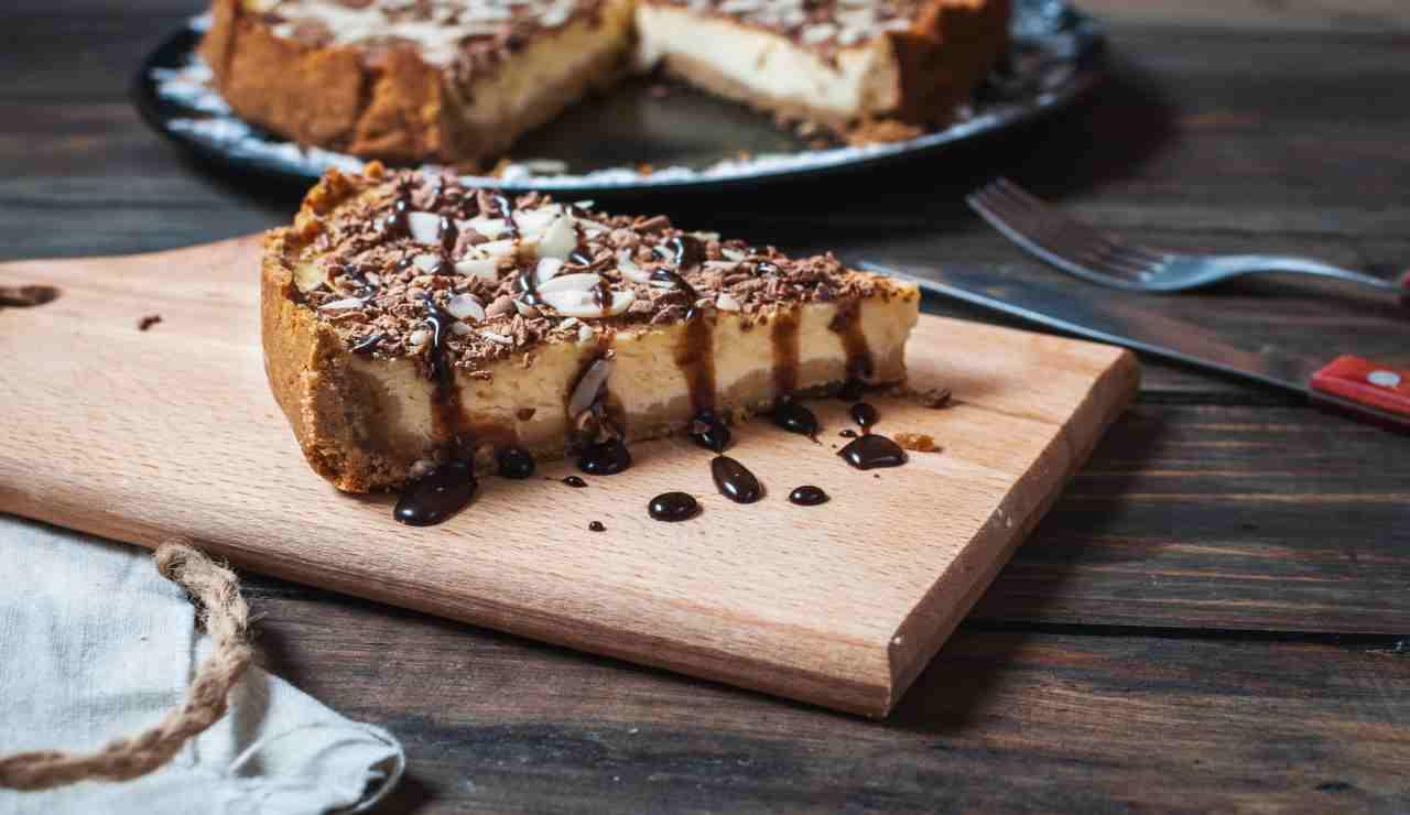 Cheesecake di wafer alla nocciola e cioccolato