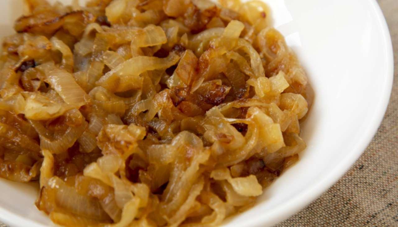 Cipolle bianche con aceto balsamico ricetta