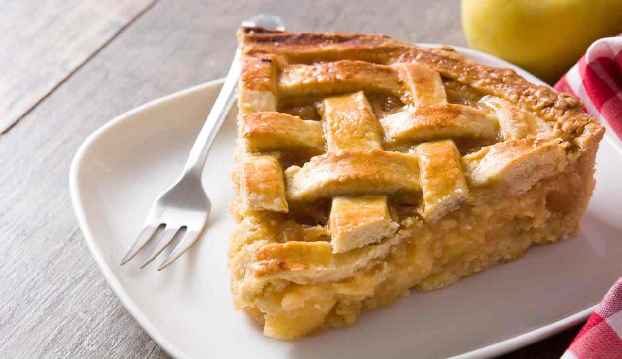 Crostata di mele e vellutata di albicocche in friggitrice ad aria