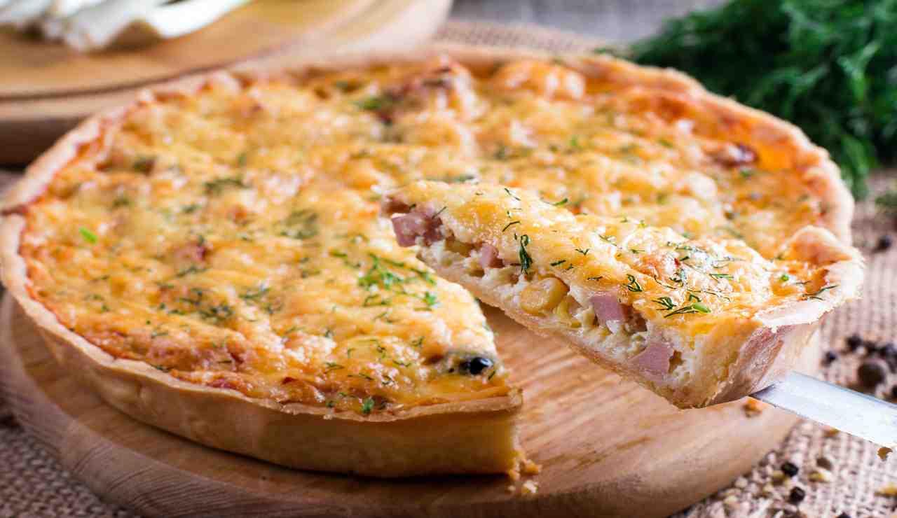 Crostata rustica bacon e pomodorini gialli
