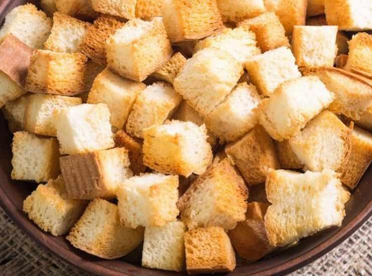 Crostini con gamberi crudi e basilico FOTO ricettasprint