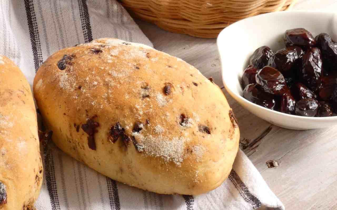 fagottini pane olive ricetta FOTO ricettasprint