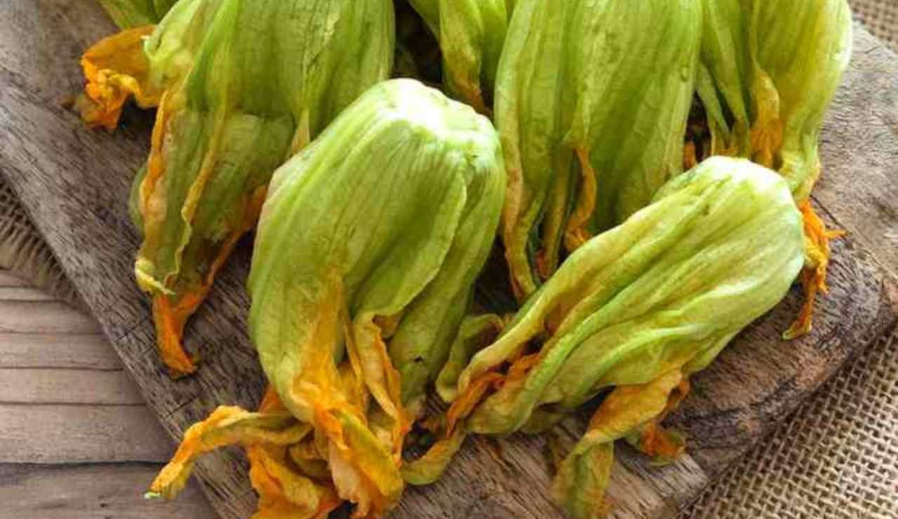 Fiori di zucca 2 trucchetti pratici della nonna per renderli irresistibili ricettasprint